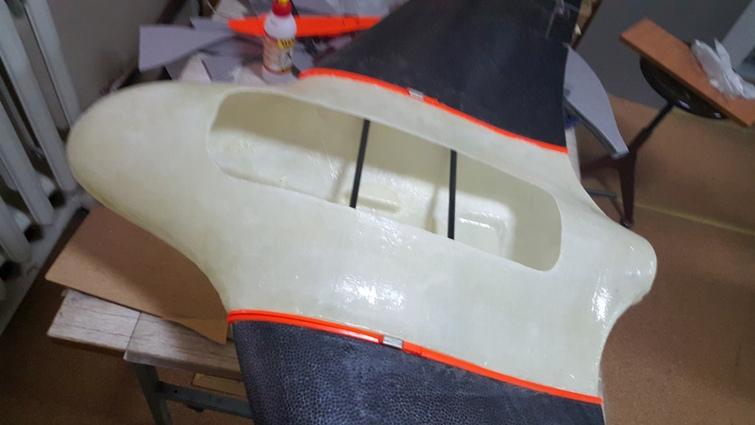 Изготовление из композитных материалов центроплана летающего крыла X8